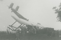 000339 Crashed Vickers Vimy bomber at Jordans Road, Ilminster c1936