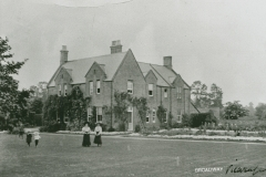 002108 Playing croquet on the lawn at The Vicarage c1900