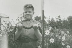 002109 Paul Richards with eel caught at Bullen Bridge 1960
