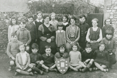 002532 Staff and pupils at Broadway School 1933