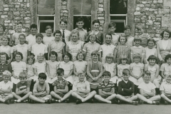 002653 Staff and pupils at Broadway School c1958