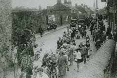 003089 Carnival procession in High St and Butts c1930