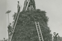 000308 Building of bonfire in Ilminster to mark coronation of George V. 1910