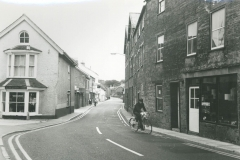 000165 Ditton Street showing two way traffic 1976