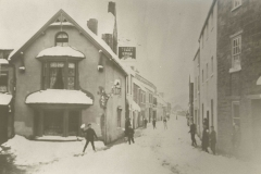000176 The Swan Hotel showing Ditton Street in the snow 1897