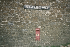 002194 VR postbox, Willy's Rope Walk 1990