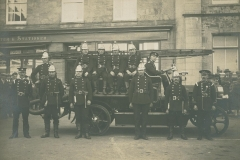 000975 First motorised fire engine, Ilminster c1920