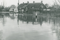 000428 Flooding at Isle Brewers 1980