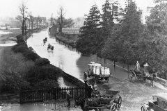 000456 Floods in Station Road, Ilminster 1920