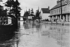 002590 Station Road, Ilminster flooded 1946