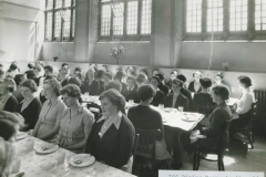 000707 Ilminster Girls Grammar School dining hall (old shool) 1950