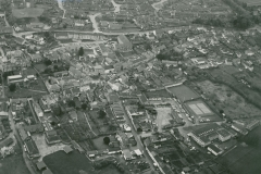 000350 Aerial view looking north over Ilminster town centre 1981