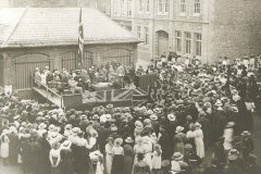 000133 Showing a gathering to commerate the second anniversary of the declaration of war 1916