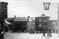 000141 Market Square viewed from the mouth of North Street c1914