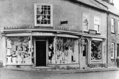 001003 A S Hobbs shop corner of New Road 1907
