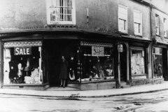 001005 A S Hobbs shop with Mrs Turner c1920