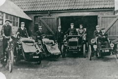 002581 Vehicles at Yandle and Sons Garage, New Road showing amongst others F Yandle, E Crouch, W Paul & C Parkin c1905
