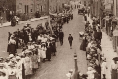 000018 Whit Tuesday walk on East Street, Ilminster 1907