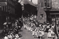 000470 Whitsun Procession in North Street taken from the Square, Ilminster c1912