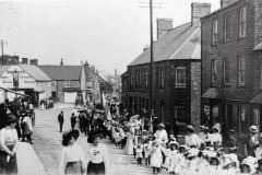 000984 Sunday School parade passing along West Street, Ilminster 1912