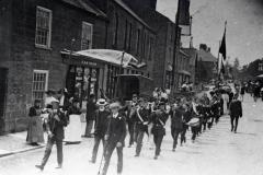 000985 Boys Brigade lead the Sunday School parade along West Street, Ilminster 1912