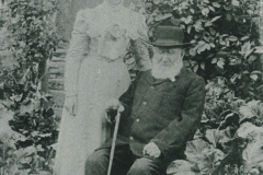 000672 Ada Keitch and her grandfather at Townsend 1912