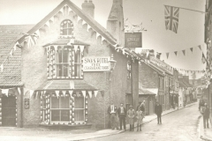 000158 Swan Hotel, showing Ditton Street decorated for Silver Jubilee of King George V 1935