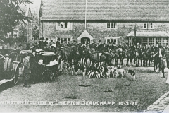 000931 Seavington hounds 1921