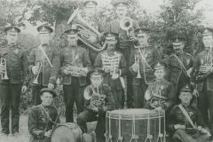 000934 Village band c1910
