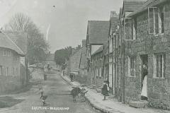 000938 Village scene c1930