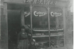 000502 The Golden Crust Bakery, Ditton Street c.1930