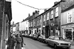 000089 Christmas garlands 1969