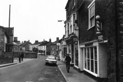 000092 Dolphin Public House on the left 1979