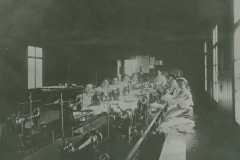 000758 Women working in Collar Factory c1914