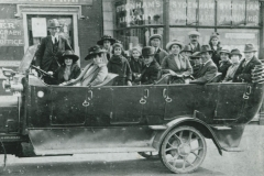 000255 Group in charabanc, Ilminster c1920