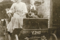 000261 Women in a 3.5hp Benz, one of the first cars in Ilminster 1896