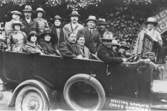 000542 Group from Ilminster in charabanc for outing to Cheddar c1920