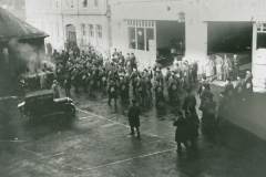002553 Royal Tank Corps soldiers returning to billets in Taylors factory, Ilminster 1939